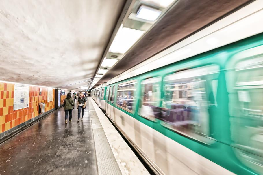 Harcèlement dans les transports : une Française sur deux évite la jupe