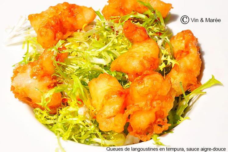Queues de langoustines en tempura, sauce aigre-douce