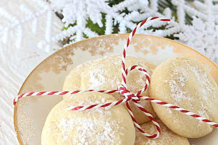 Petits biscuits de Noël grec Kourabiedes