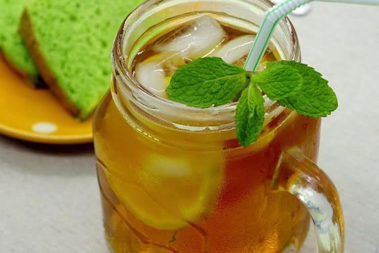 Mojito sans alcool au thé vert