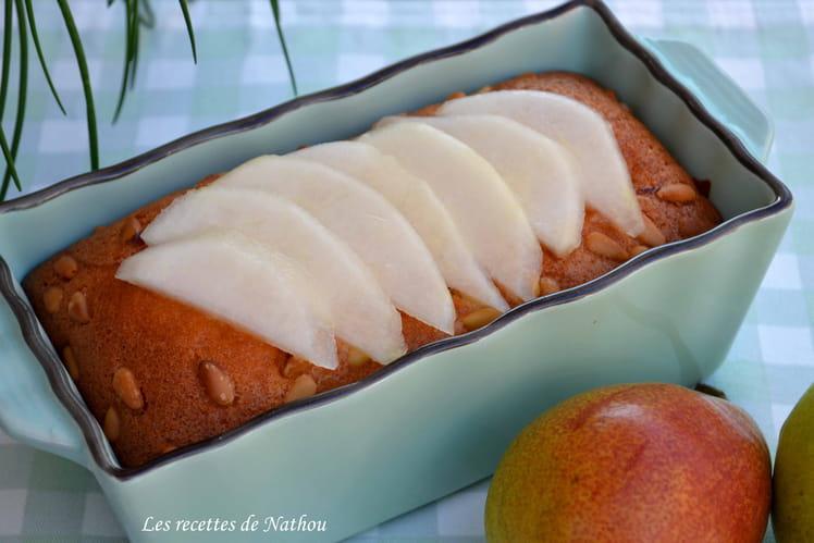 Cake aux poires et pignons de pin