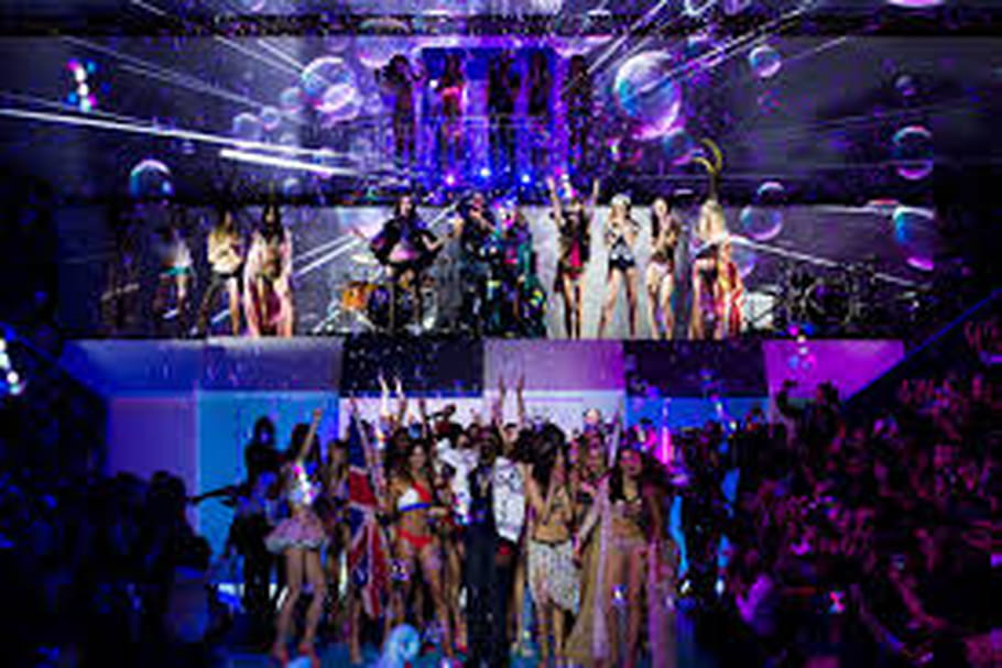 Etam Live Show 2015 : un défilé de lingerie renversant