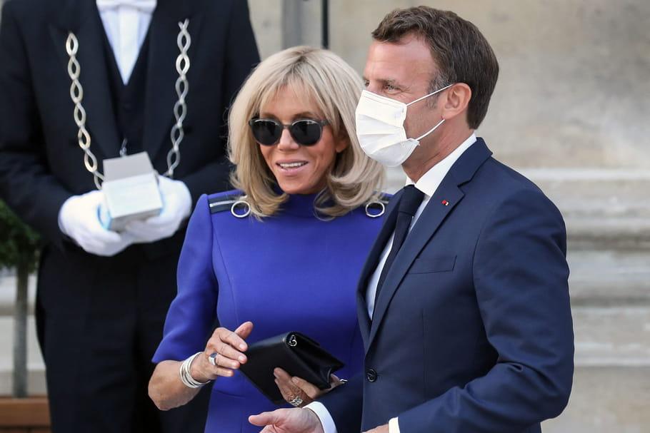 Brigitte et Emmanuel Macron: pizza en famille à la bonne franquette [PHOTO]