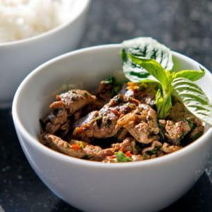 bœuf angus piquant au basilic thaï