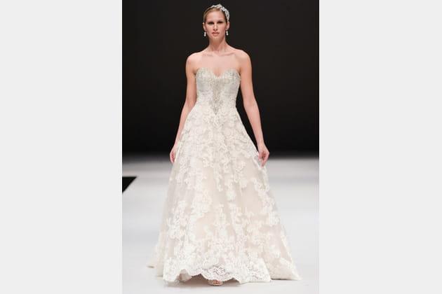 La robe romantique Allure Bridals