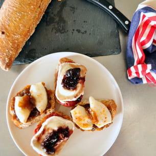 pintxos chipirons-oignons confits et tomates-chèvre-cerises