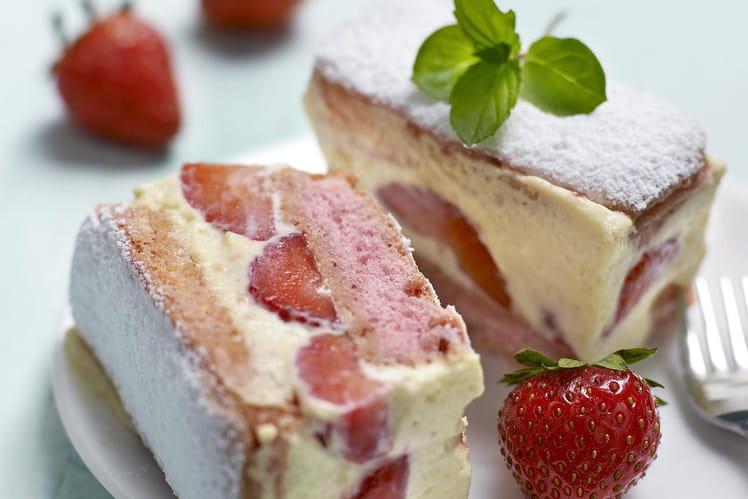 recette de fraisier express aux biscuits roses la recette facile
