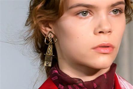 Valentino (Close Up) - photo 14