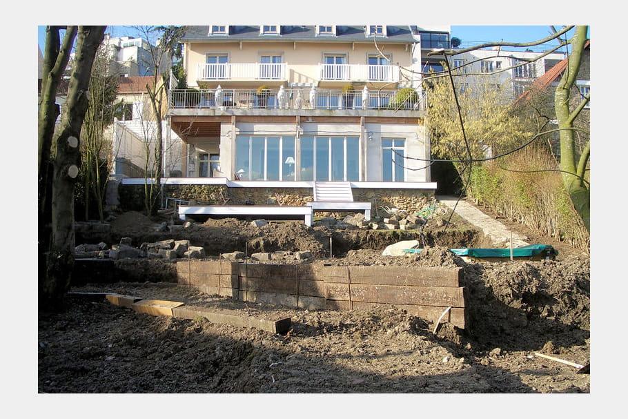Les Travaux D 39 Am Nagement En Terrasses Un Jardin De