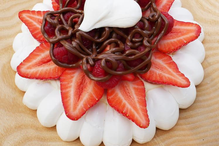 Pavlova aux fruits rouges et au Nutella de Gregory Cohen