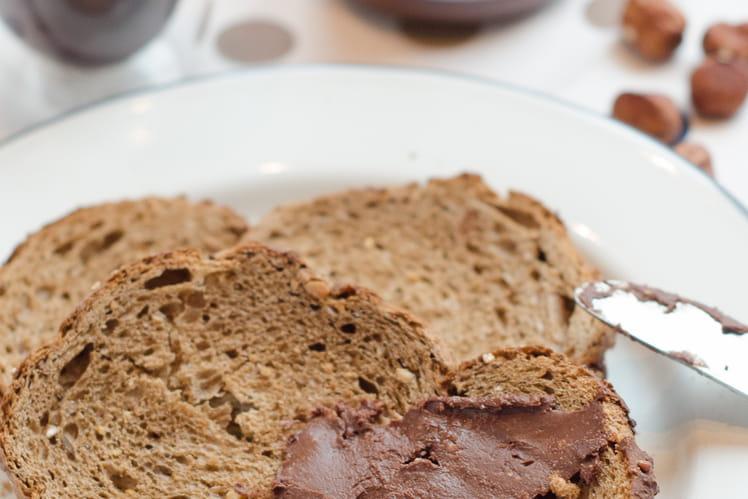 Pâte à tartiner au chocolat et noisettes