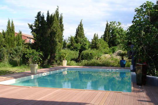 Une piscine au calme
