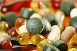 les compléments peuvent contenir des mélanges de vitamines, de minéraux, des