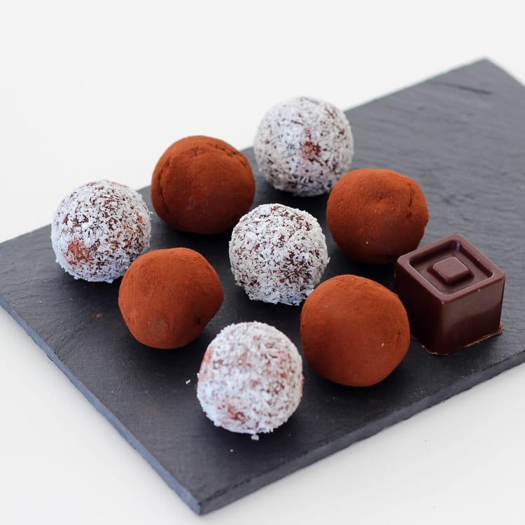 recette de truffes avocat chocolat noir vegan la recette. Black Bedroom Furniture Sets. Home Design Ideas