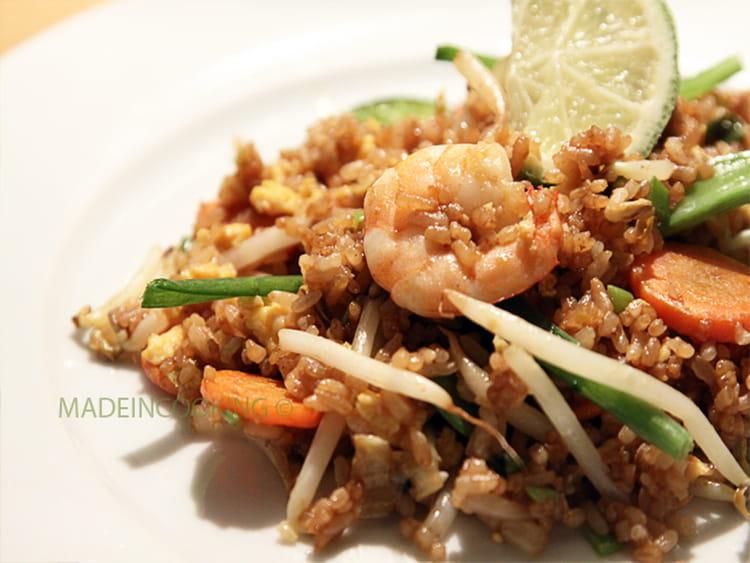 Recette de riz frit aux crevettes et aux l gumes la recette facile - Peut on donner du riz cuit aux oiseaux ...