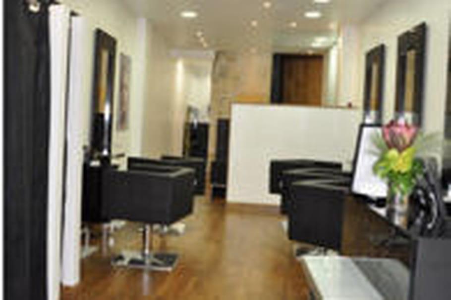 jean marc joubert ouvre un nouveau salon la rochelle. Black Bedroom Furniture Sets. Home Design Ideas