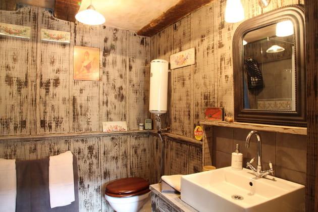 Salle de bains patinée