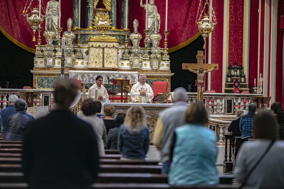 Réouverture des lieux de cultes: le gouvernement forcé d'autoriser les cérémonies religieuses?