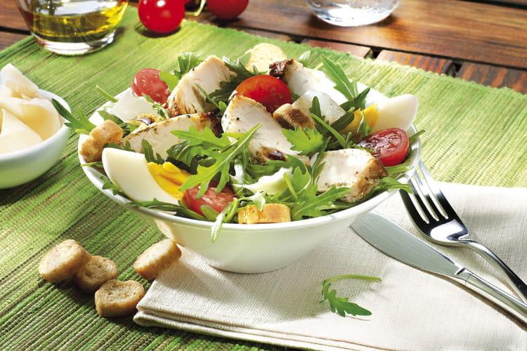 Salade gauloise de roquette et filet minute de poulet