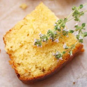 cake au citron et fleur de thym