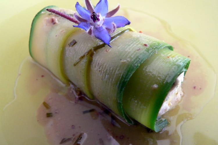 Rouleaux de courgette à la mousse de saumon