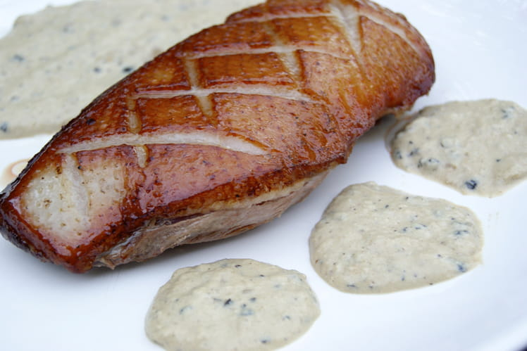Magret de canard, sauce au poivre