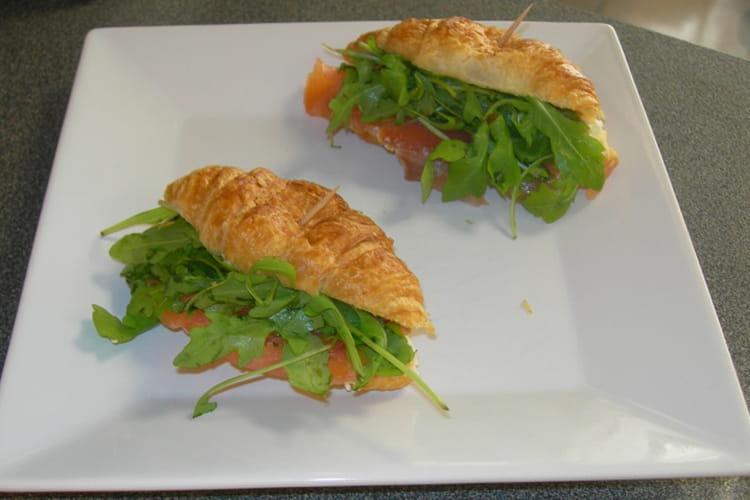 Mini-croissant saumon et roquette
