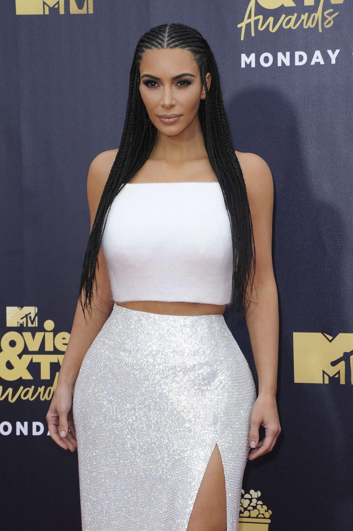 Les Tresses Africaines De Kim Kardashian