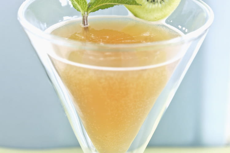 Cocktail détox à la grenade, fenouil, pomme et gingembre