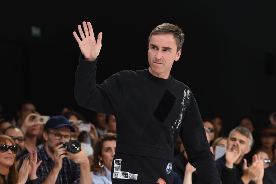 Raf Simons quitte Christian Dior, les successeurs pressentis