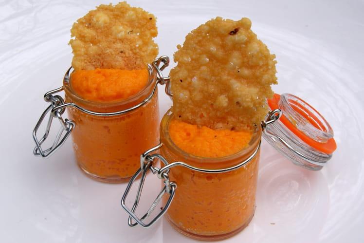 Verrines de mousse de carottes et sa tuile de parmesan