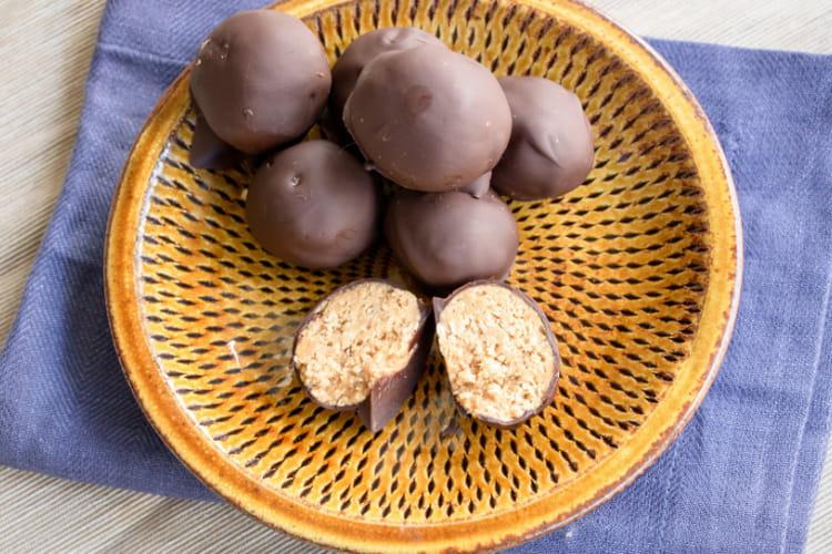 Snack Balls à la purée d'amande et au chocolat