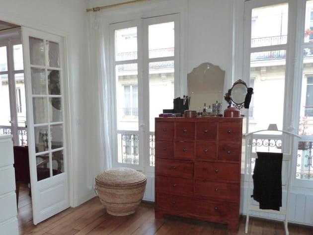un meuble multifonction. Black Bedroom Furniture Sets. Home Design Ideas