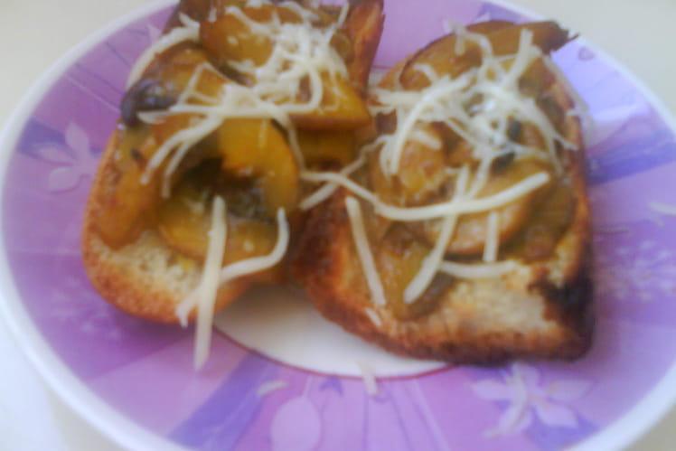 Toasts grillés aux champignons