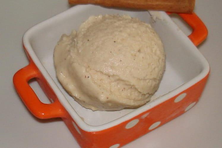 Crème glacée cannelle et sirop d'érable
