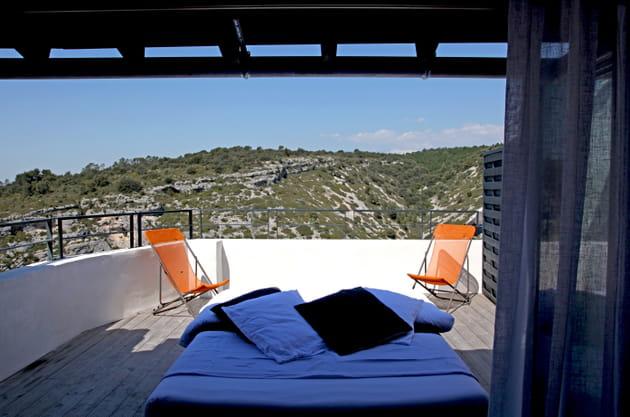 La terrasse pour une nuit à la belle étoile