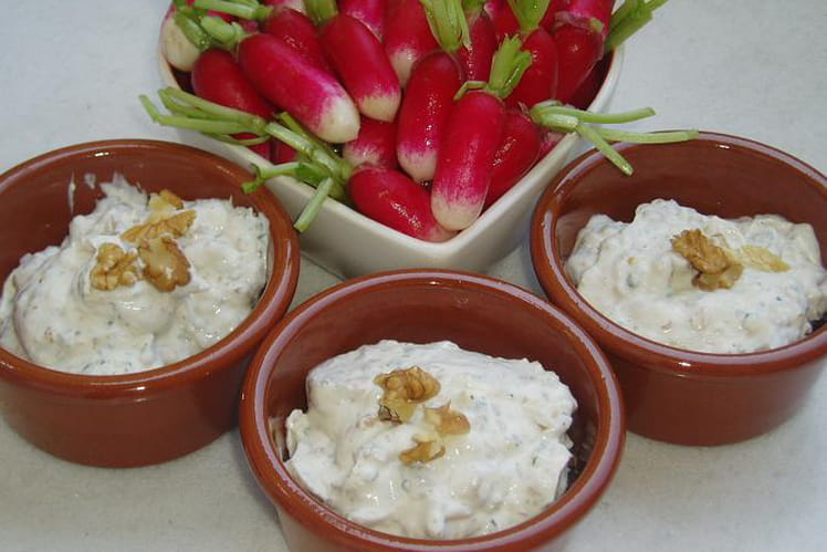 Coupe de radis et mascarpone aux noix