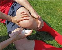 le football, un sport particulièrement dur pour les genoux.