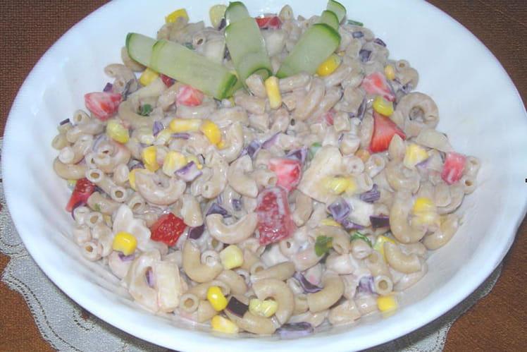 Salade de pâte aux fruits et légumes