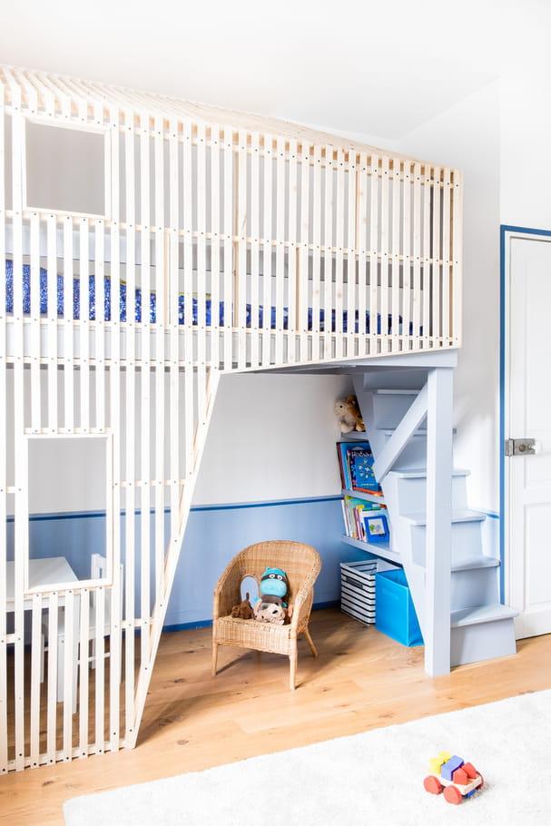 des rangements sous l 39 escalier chambre d 39 enfant dormir dans un lit cabane journal des femmes. Black Bedroom Furniture Sets. Home Design Ideas