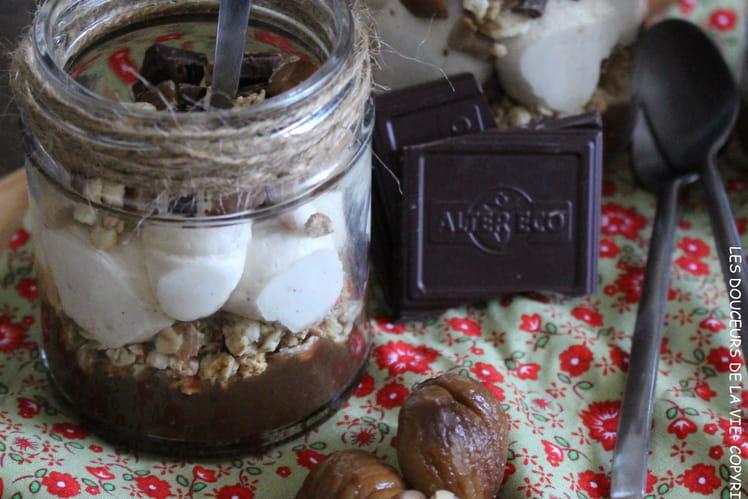 Verrines d'automne à la crème de marrons, muesli croustillant, crème mascarpone vanillée et chocolat