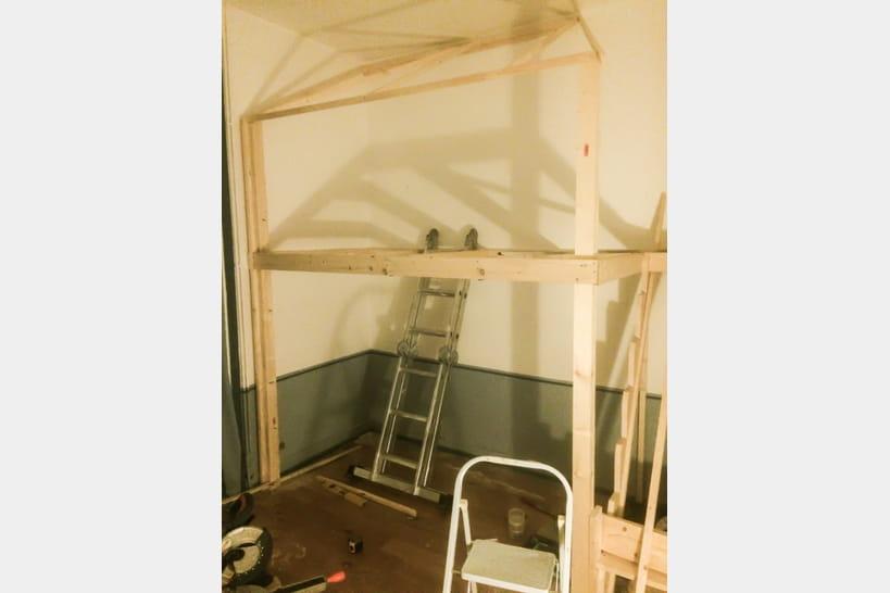 chambre d 39 enfant dormir dans un lit cabane. Black Bedroom Furniture Sets. Home Design Ideas