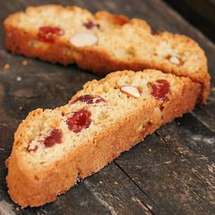 biscotti aux amandes et aux cerises séchées