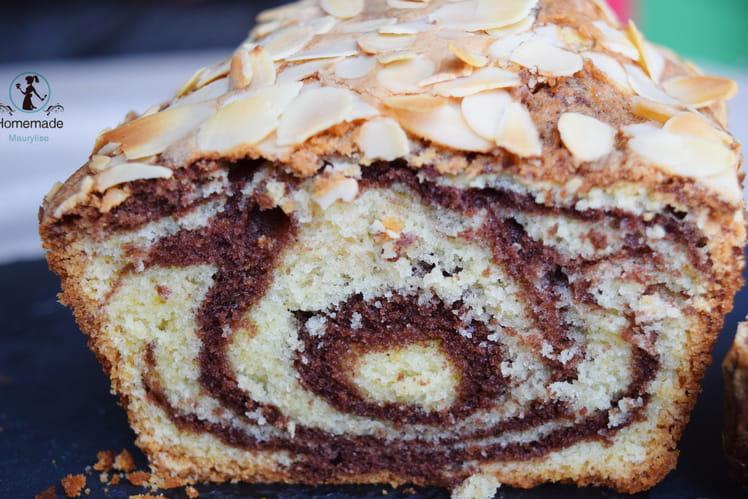 Gâteau marbré aux amandes effilées
