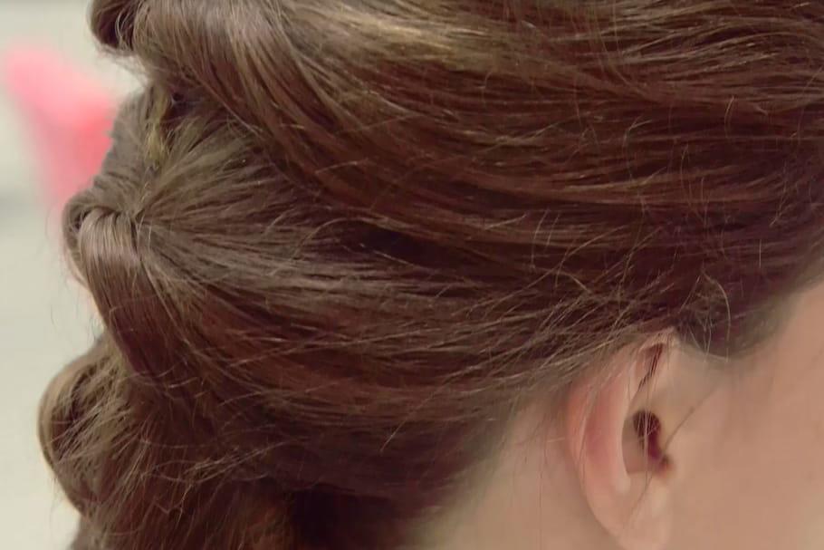 Belle en 1 minute : la queue de cheval vrillée