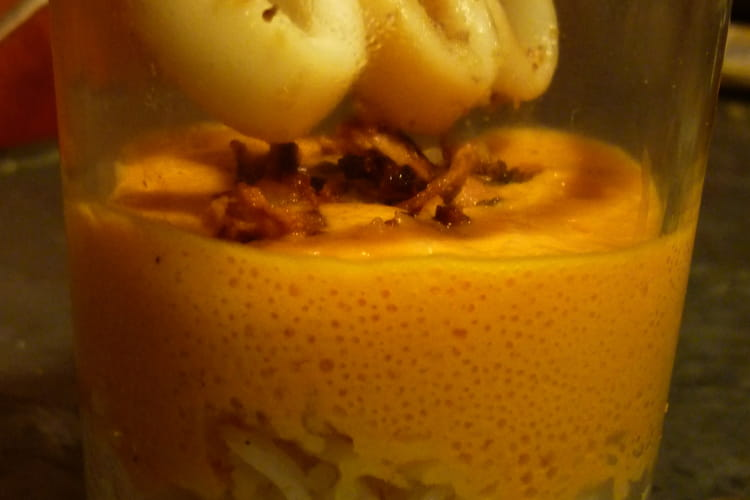 Calamars à l'ail thaï, espuma tomate-poivron