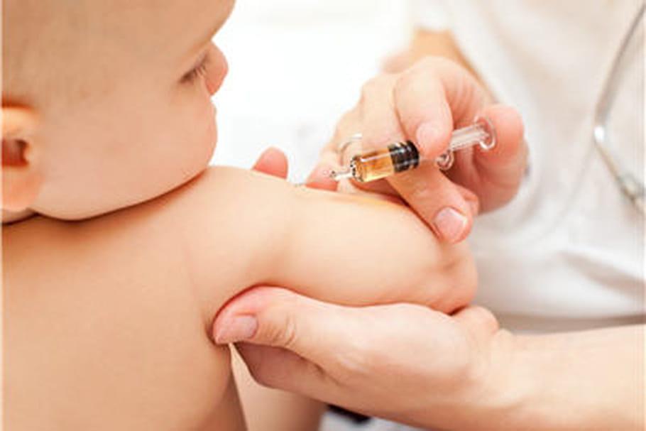 Calendrier vaccinal 2013: simplifié chez le nourrisson, l'enfant et l'adulte