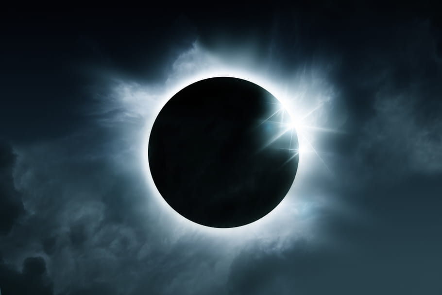 Eclipse solaire: comment la regarder sans risque?