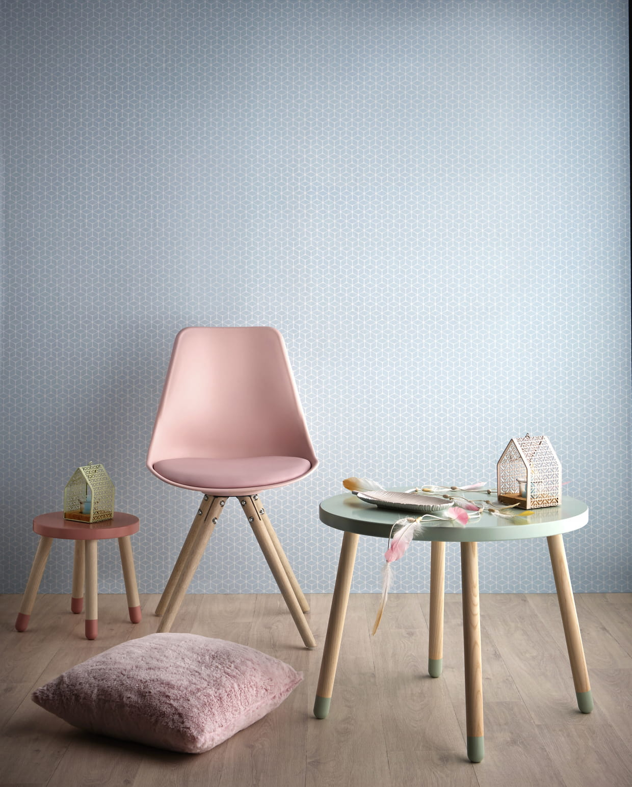 Collection sweet graphic par but for Table scandinave enfant