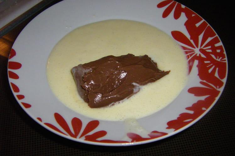 Quenelles au chocolat, sauce vanille